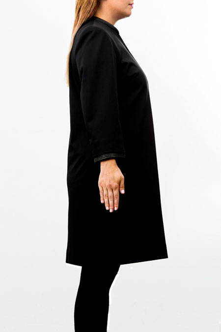 Hips-friendly coat for a ladies with a small height - side view.
