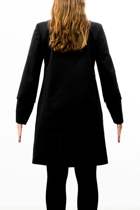 Hips-friendly coat on lady with medium height