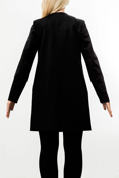 Hips-friendly coat for a tall lady