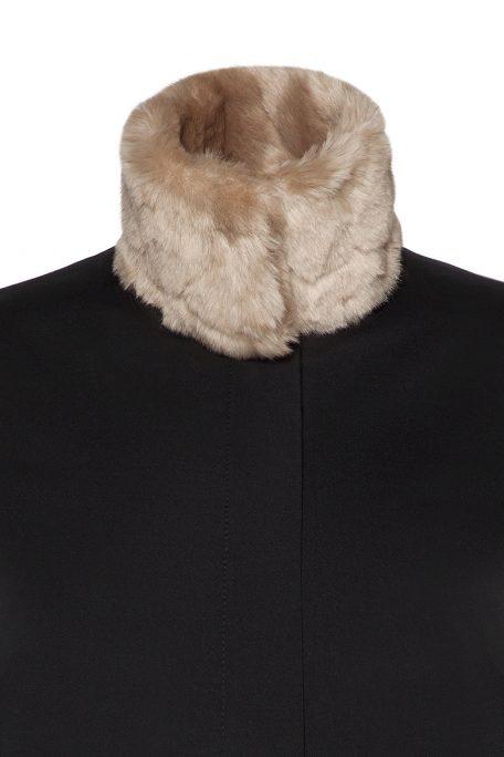 A smart coat with detachable beige faux fur collar - front view.