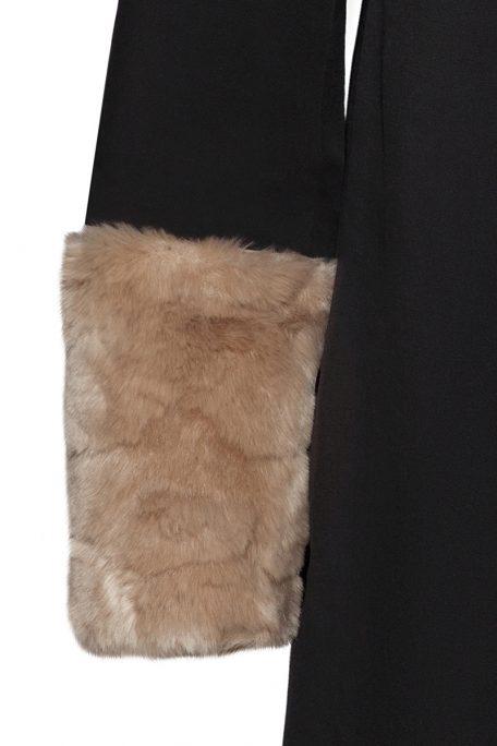 Beige faux fur details for interchangeable coat