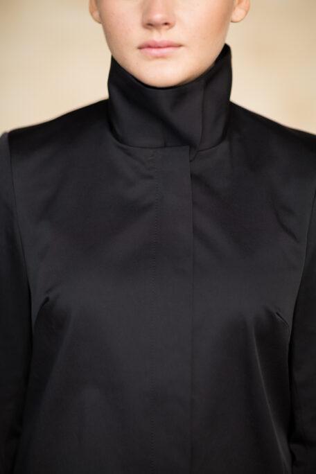 The Lovisa smart coat with high protactive collar